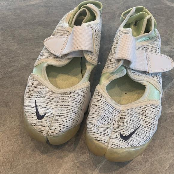 Nike split toe ballet-flat style sneaker